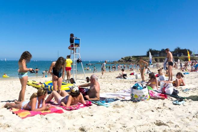 familiäre Atmosphäre am Strand von Porigo  © Michael Kneffel