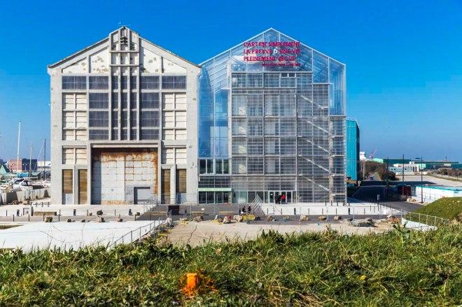das neue Museum FRAC Nord-Pas de Calais im Hafen von Dünkirchen Karneval in Dünkirchen © Michael Kneffel