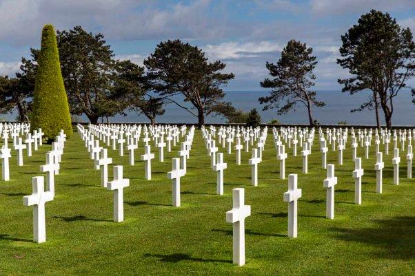 Gräber auf dem Normandy American Cemetery in Colleville-sur-Mer © Michael Kneffel