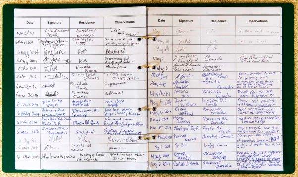 Besucherbuch auf dem kanadischen Soldatenfriedhof in Beny-sur-Mer © Michael Kneffel