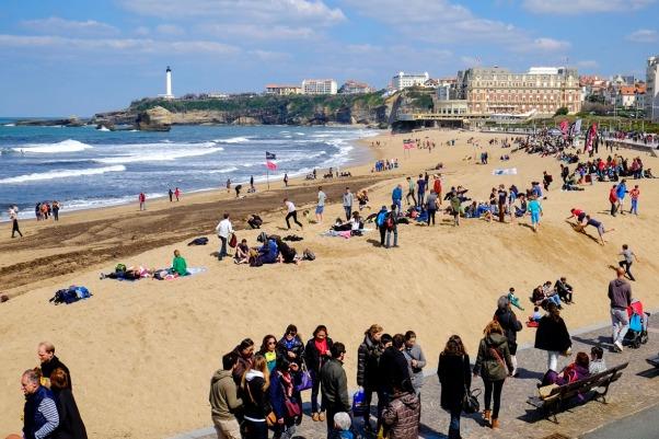 Ostertrubel am Strand von Biarritz © Michael Kneffel