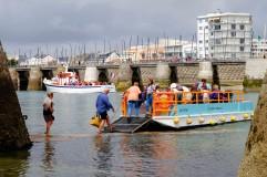 die kleinste der Hafenfähren in La Chaume © Michael Kneffel