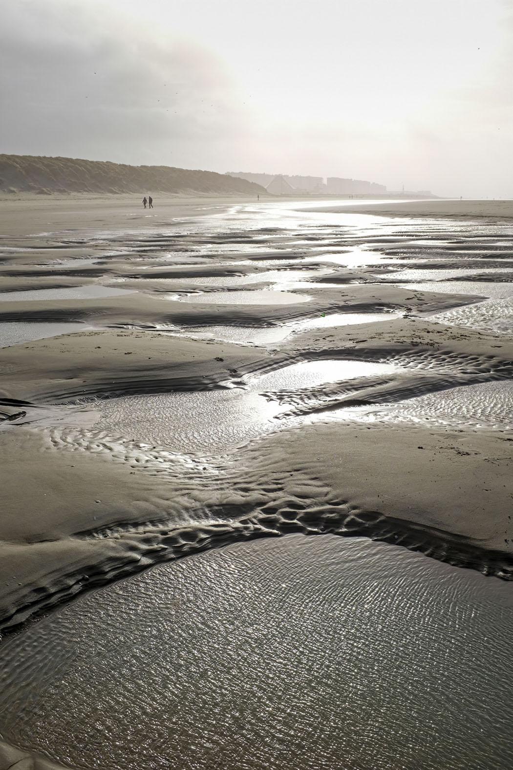 Auch wenn es im Ort sehr voll ist, trifft man am Strand nur wenige Menschen © Michael Kneffel